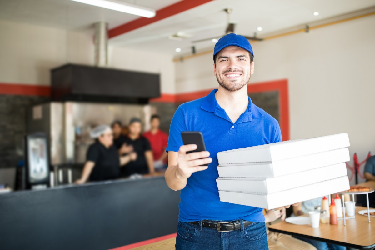 Pizza Parma AdobeStock_213299416 Pizza Parma is Now Offering Contact-Free Pizza Delivery Delivery  home delivery contact-free delivery